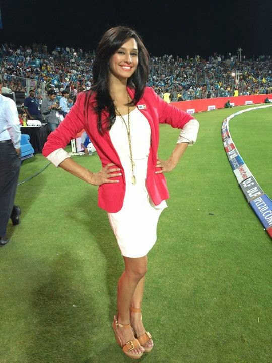 List of Top Beautiful Hot Anchors in IPL Cricket - Engineers Corner
